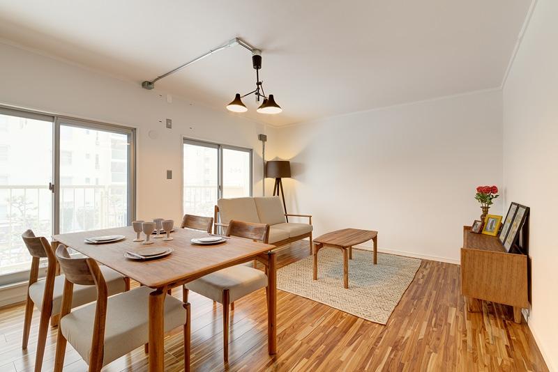 キャラノミクスのナチュラルでシンプルな住宅コーディネート